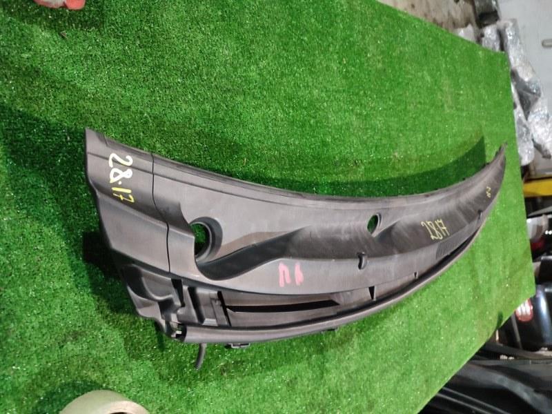 Решетка под лобовое стекло Toyota Belta KSP92 1KR-FE