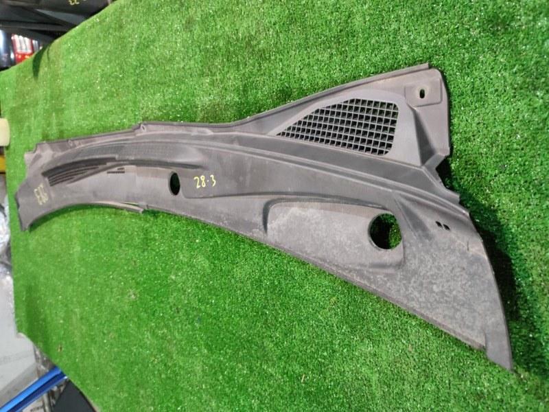 Решетка под лобовое стекло Nissan Serena TNC24 QR20DE 2003