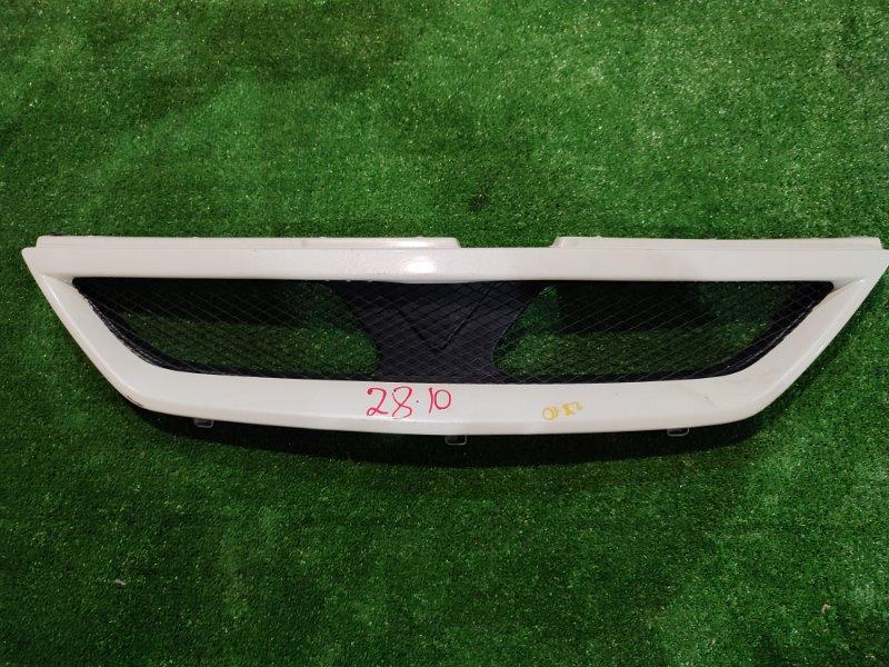 Решетка радиатора Nissan Serena TC24 QR20DE