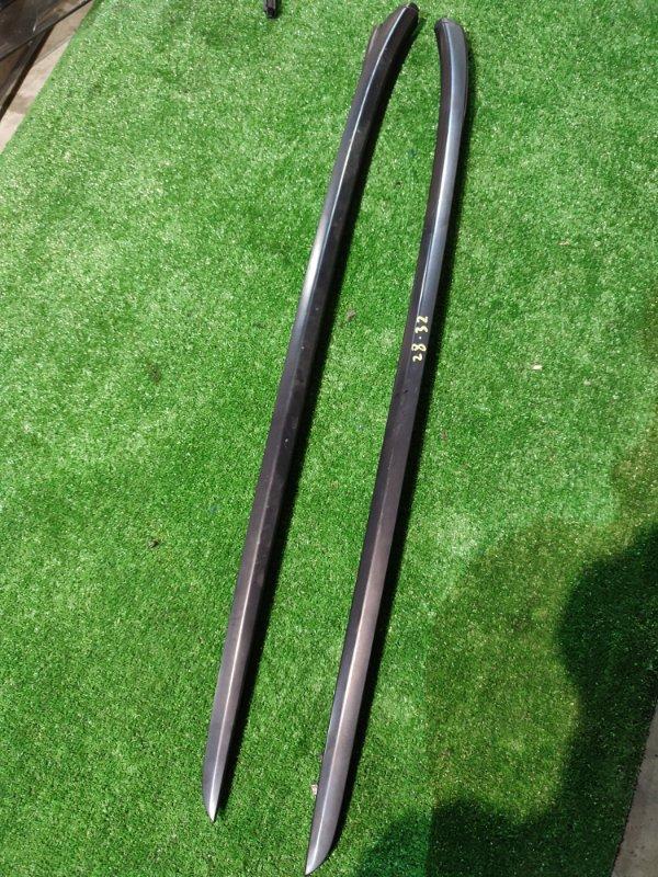 Молдинг лобового стекла Honda Stream RN1 D17A