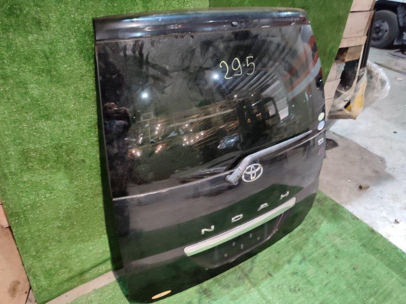 Дверь задняя багажника Toyota Noah AZR65 1AZ-FSE 2004