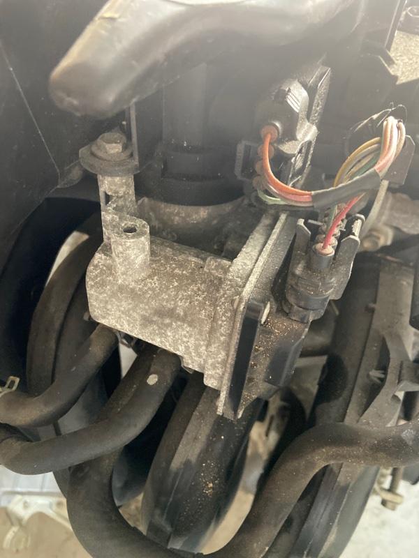 Заслонка дроссельная Toyota Ractis SCP100 2SZ-FE