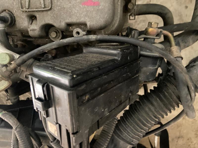 Блок реле и предохранителей Honda Logo GA3 D13B