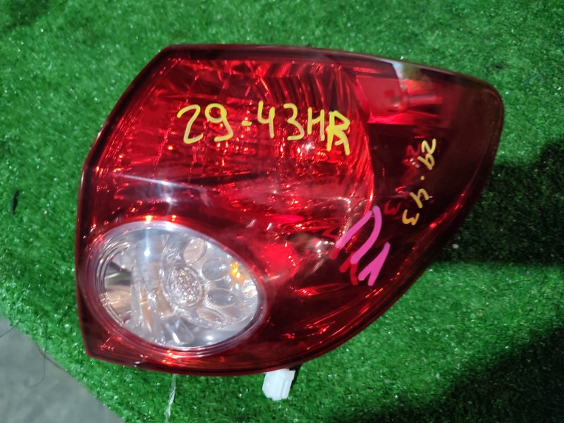 Фонарь стоп-сигнала Nissan Wingroad Y12 HR15 правый