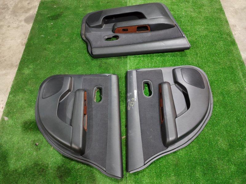 Обшивка двери Nissan Tiida SC11 HR15DE 2008