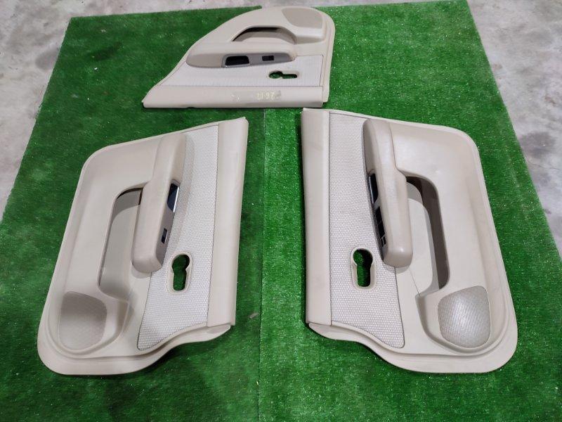 Обшивка двери Nissan Tiida C11 HR15DE 2006