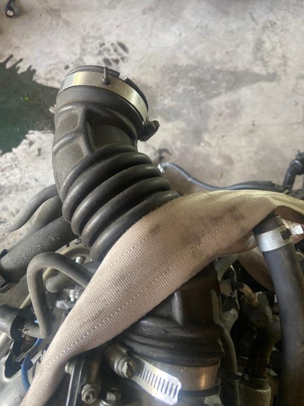 Патрубок воздушного фильтра Nissan Tiida SC11 HR15DE