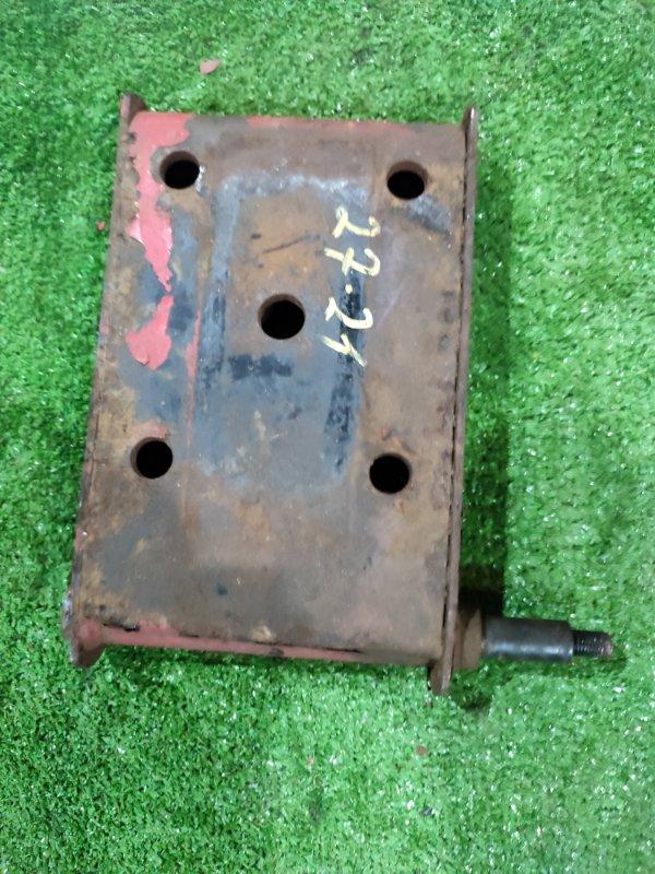 Кронштейн амортизатора Mitsubishi Canter FB70BB 4M42