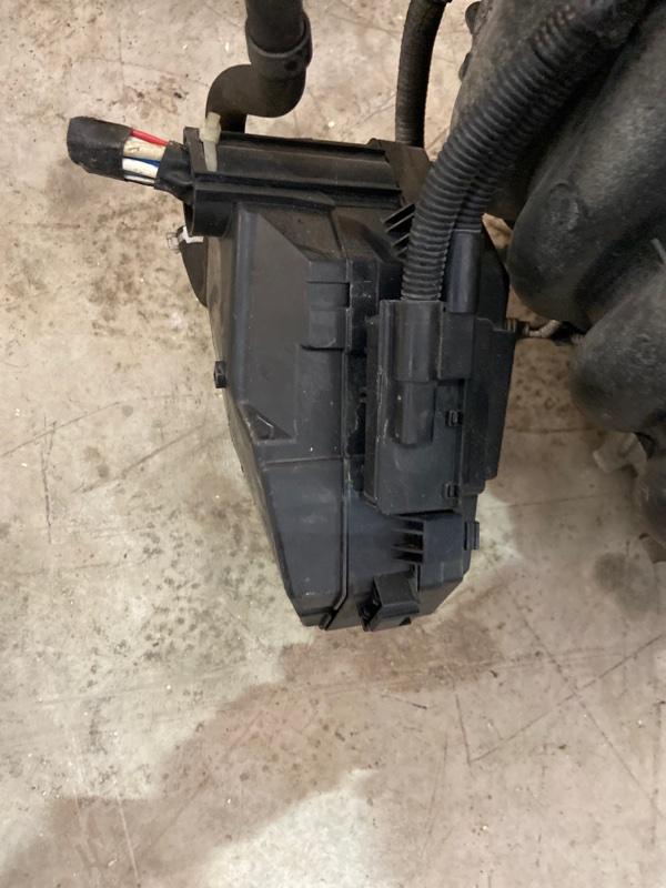 Блок реле и предохранителей Honda Stream RN6 R18A