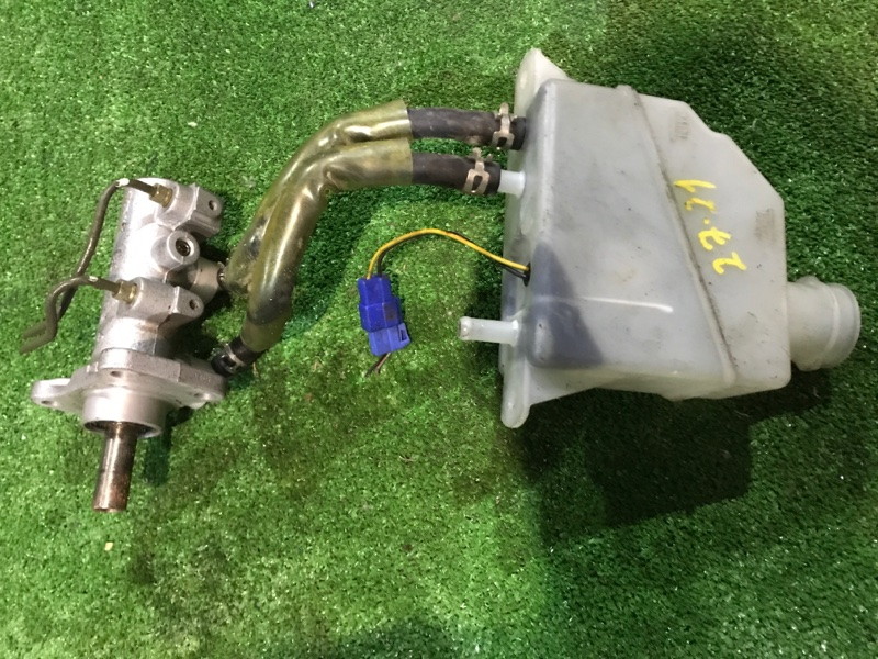 Главный тормозной цилиндр Mitsubishi Canter FB70BB 4M42