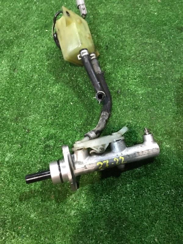 Главный тормозной цилиндр Toyota Opa ACT10 1AZ-FSE