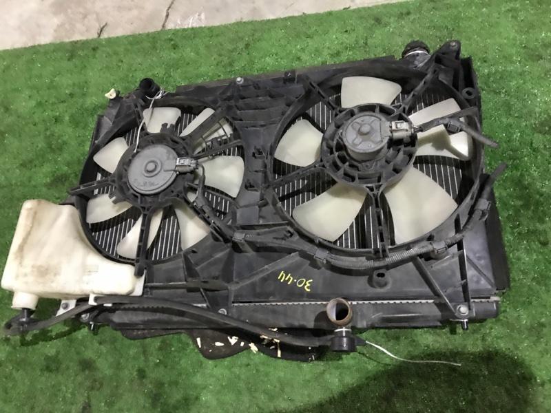 Радиатор двигателя Toyota Noah AZR60 1AZ-FSE
