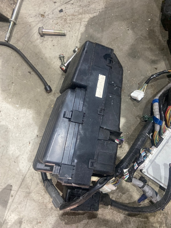 Блок реле и предохранителей Honda Accord CL7 K20A