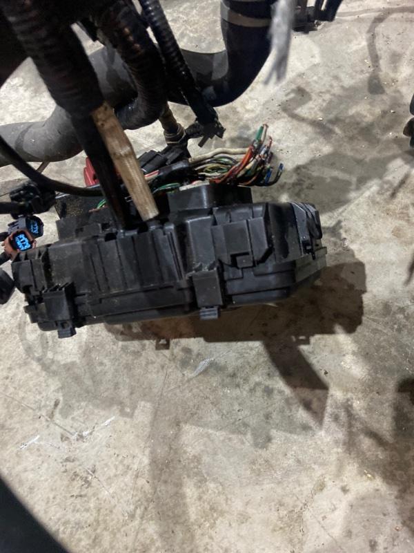Блок реле и предохранителей Honda Stream RN1 D17A