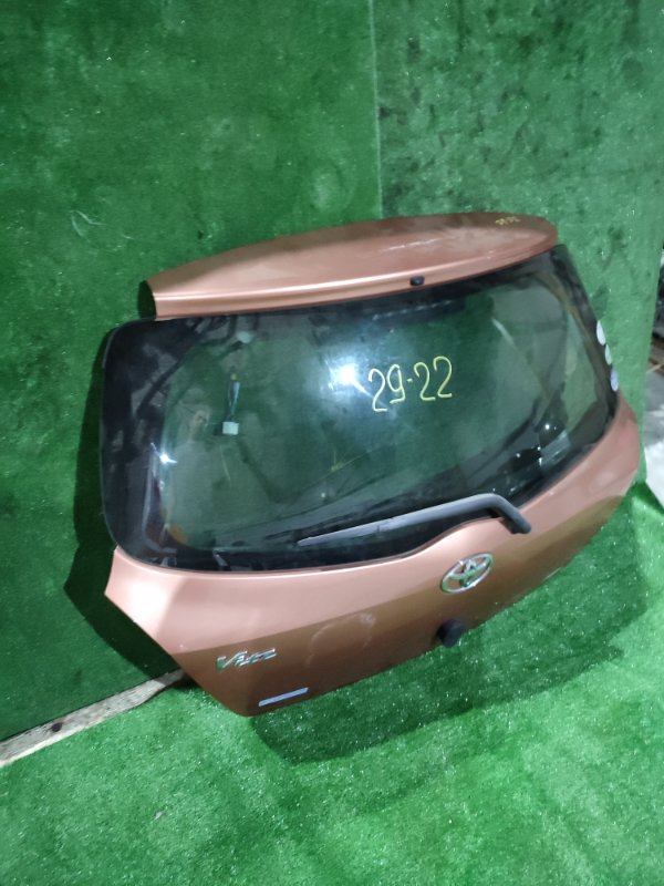 Дверь задняя багажника Toyota Vitz NCP95 2NZ-FE 2007