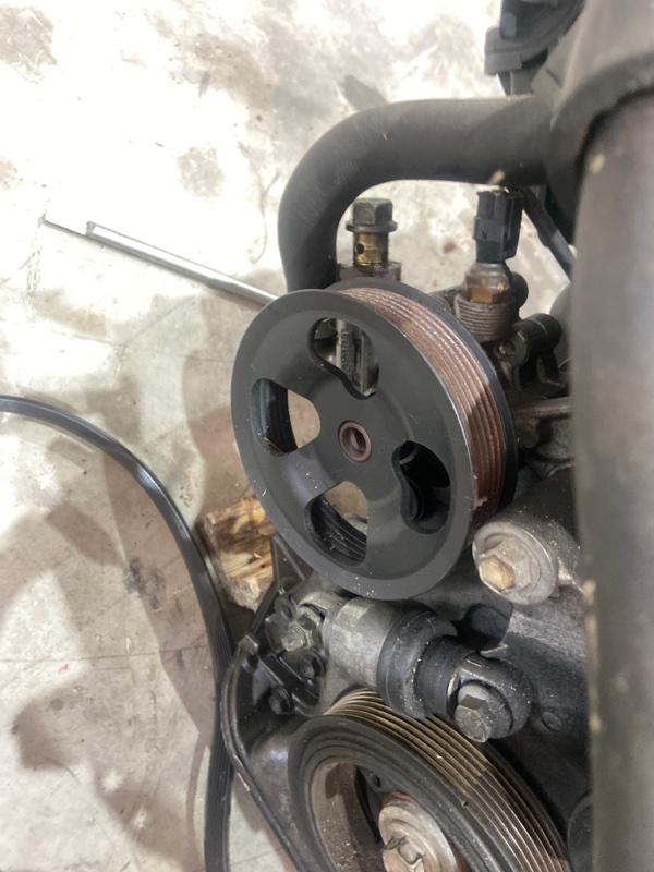 Насос гидроусилителя Toyota Opa ACT10 1AZ-FSE