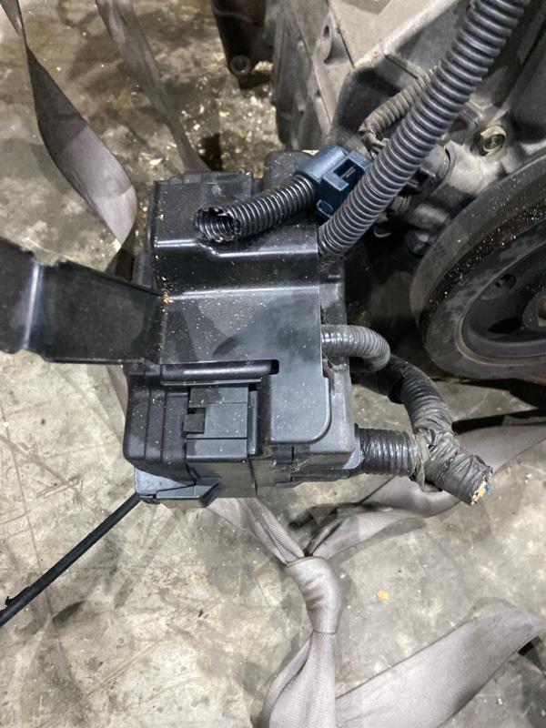 Блок реле и предохранителей Honda Mobilio GB1 L15A