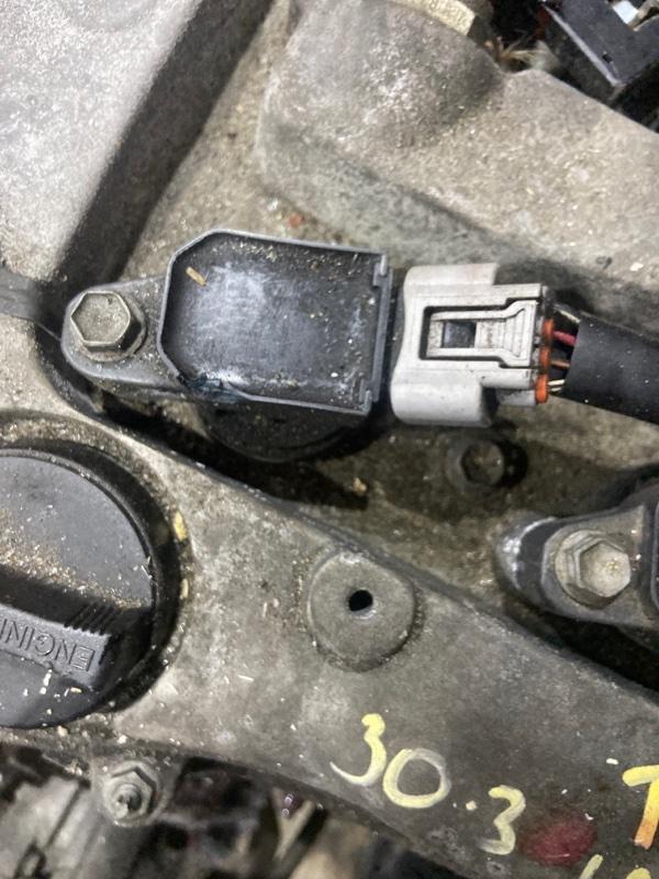 Катушка зажигания Toyota Voxy AZR60 1AZ-FSE