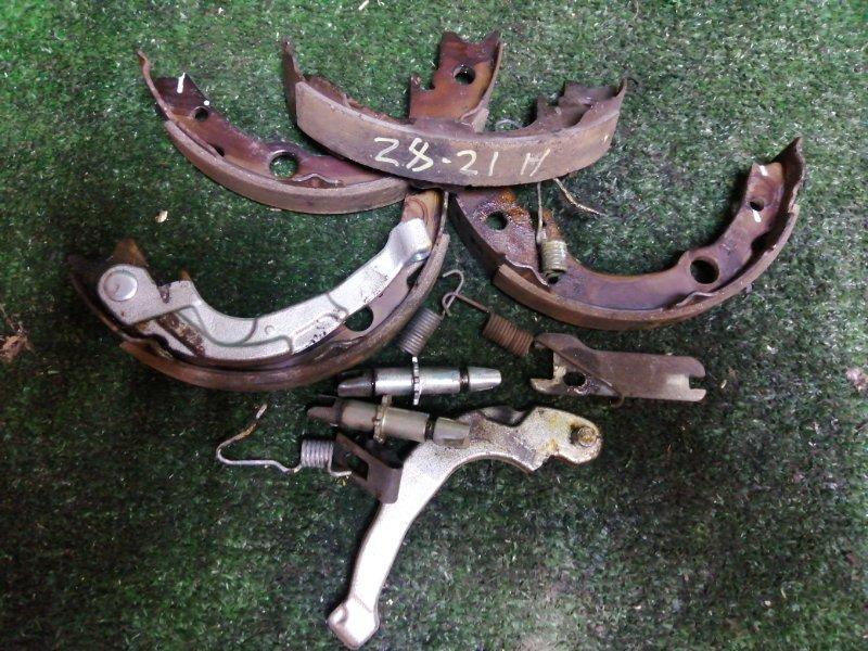 Механизм стояночного тормоза Toyota Wish ZNE14G 1ZZ-FE задний