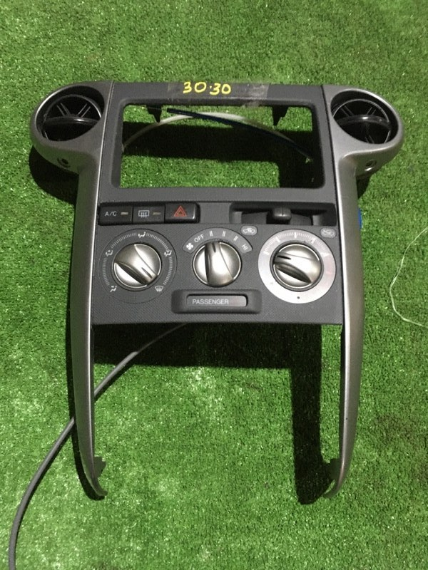 Блок управления климат-контролем Toyota Bb NCP35 1NZ-FE