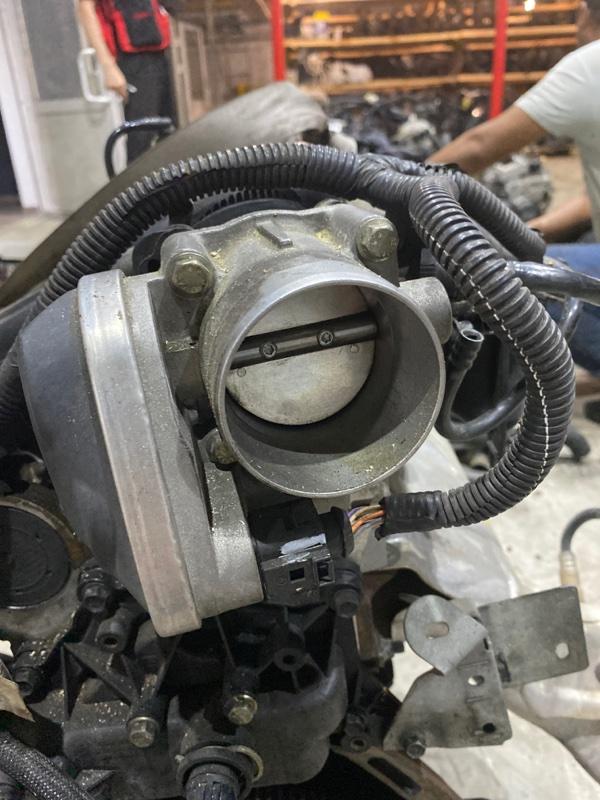 Заслонка дроссельная Renault Lutecia K4M D800