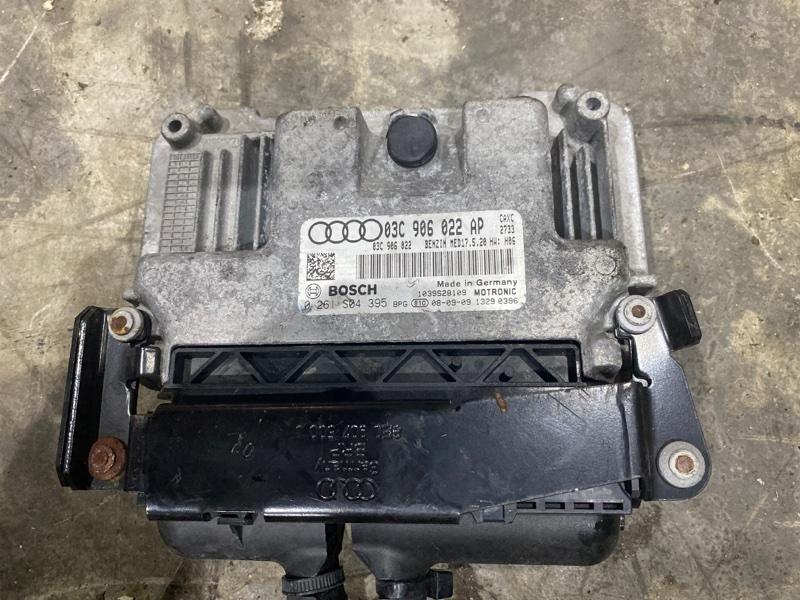 Блок управления двс Audi A3 CAX 2009