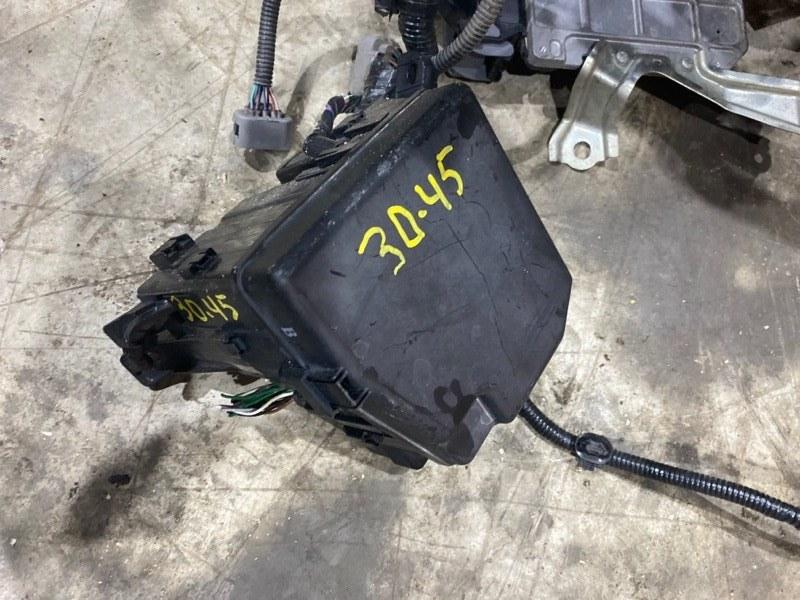 Блок реле и предохранителей Toyota Vitz NCP95 2NZ-FE