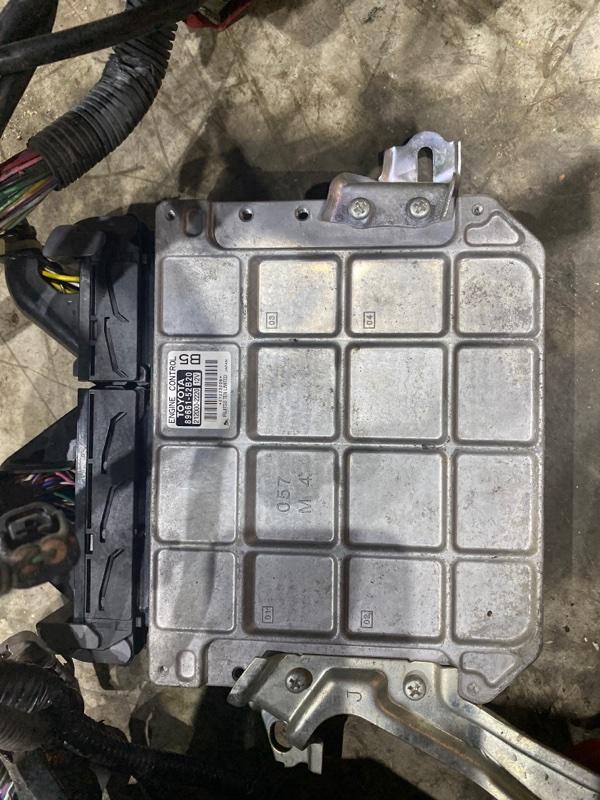 Блок управления двс Toyota Vitz NCP95 2NZ-FE