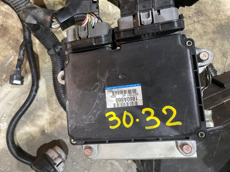 Блок управления двс Mitsubishi Galant CY4A 4B11