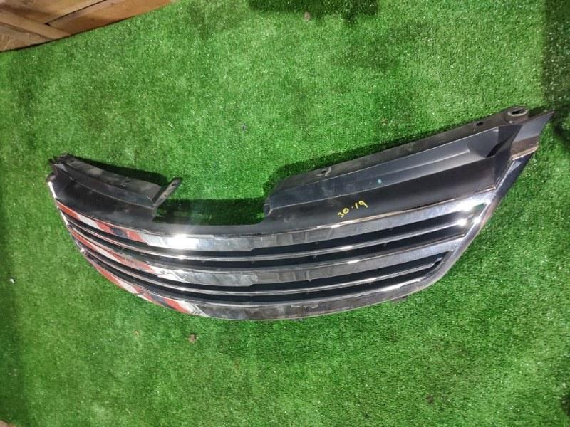 Решетка радиатора Nissan Tiida C11 HR15DE