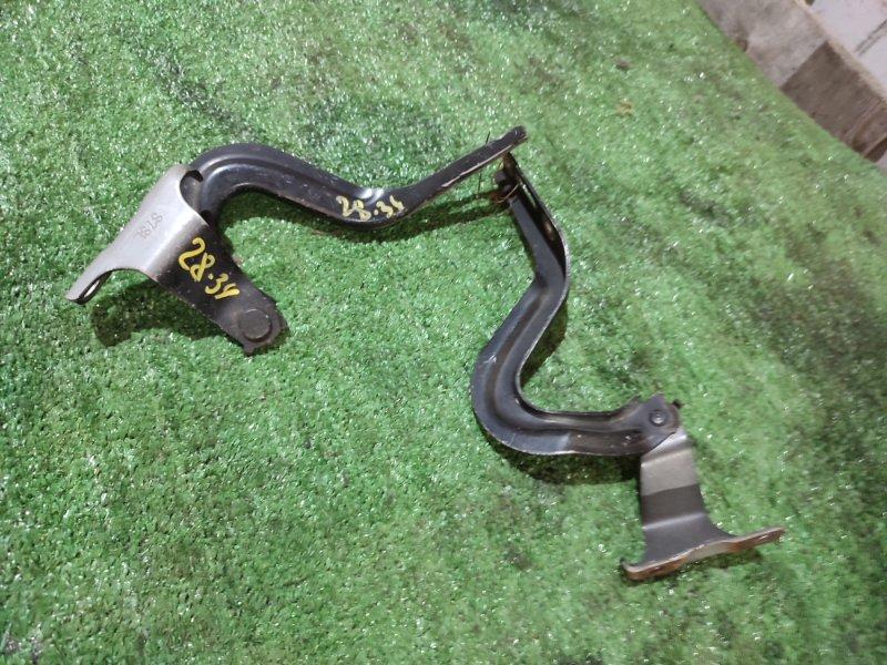 Кронштейн капота Honda Stepwgn RF3 K20A
