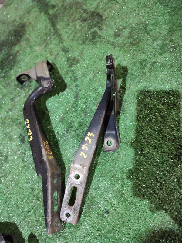 Кронштейн капота Honda Stepwgn RG1 K20A