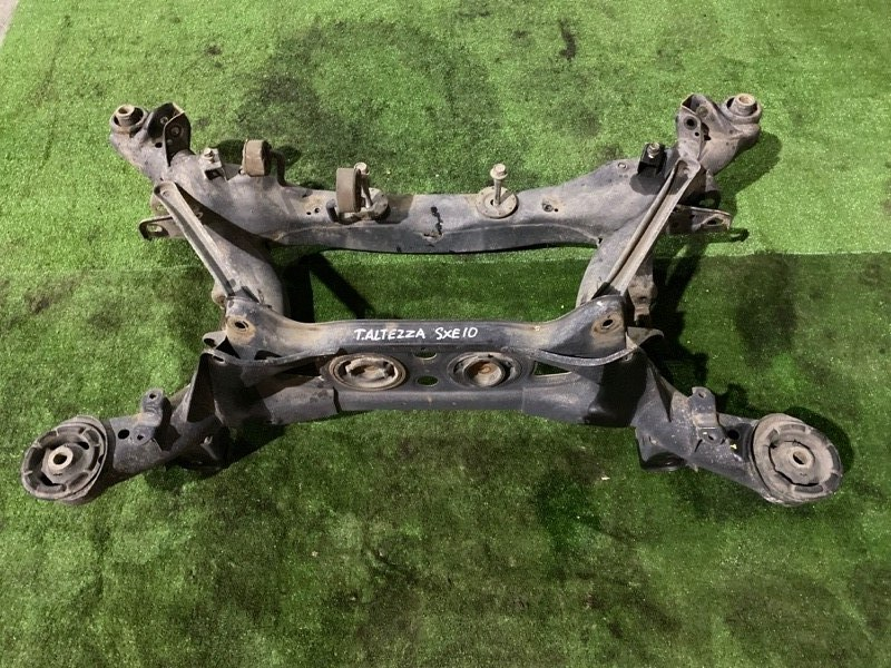 Балка поперечная Toyota Altezza SXE-10
