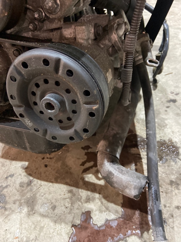 Компрессор кондиционера Toyota Wish ZNE14G 1ZZ-FE