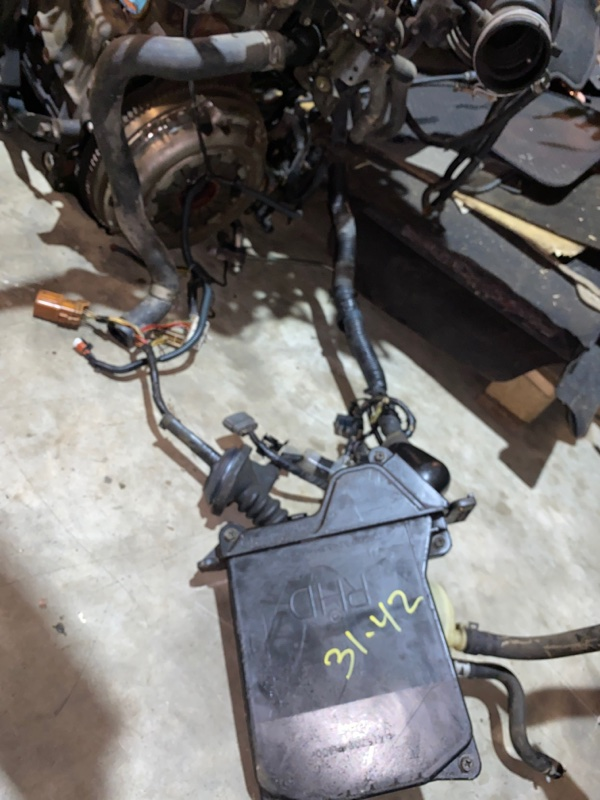 Корпус блока управления двс Nissan Bluebird Sylphy FG10 QG15DE