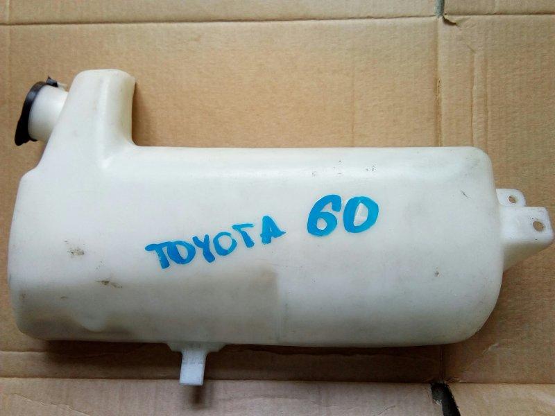 Бачок омывателя Toyota Dyna XZU342 S05C 2001