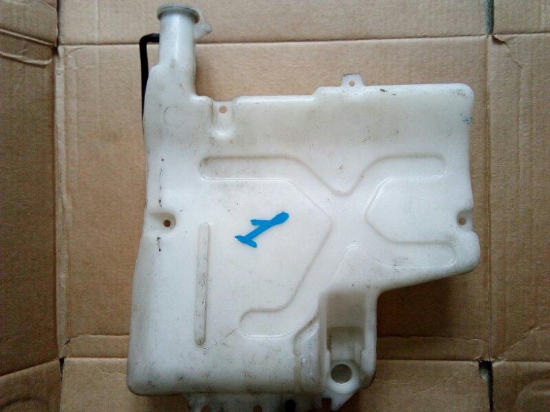 Бачок омывателя Mitsubishi Canter FE516B 4D36 1995