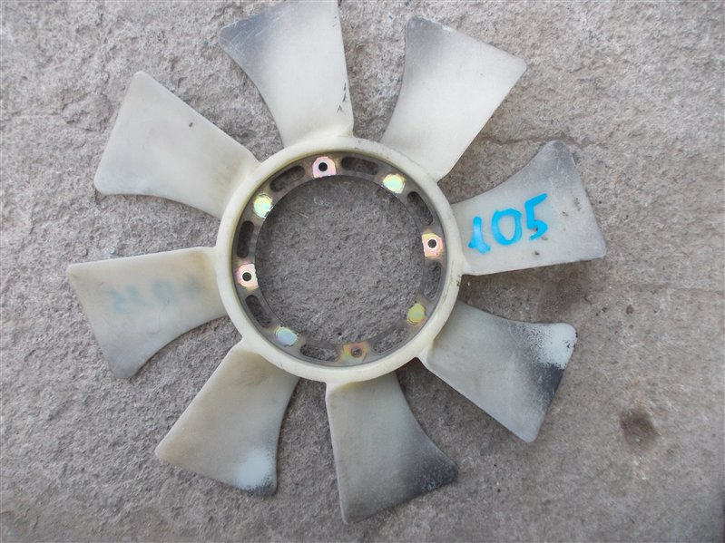 Крыльчатка вентилятора Mitsubishi Canter FE538B 4D35 1996