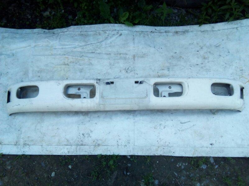 Бампер Mitsubishi Canter FE568EV 4D35 1997 передний