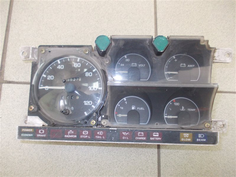 Панель приборов Mazda Titan 88