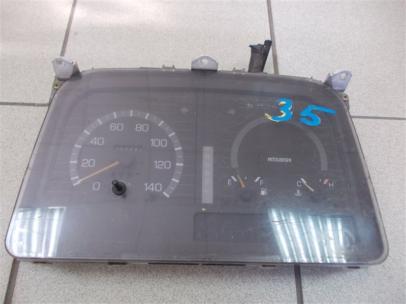 Панель приборов Mitsubishi Canter FB501B 4M40 1998