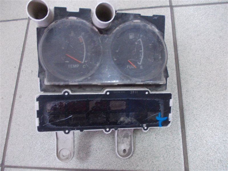 Панель приборов Toyota Dyna