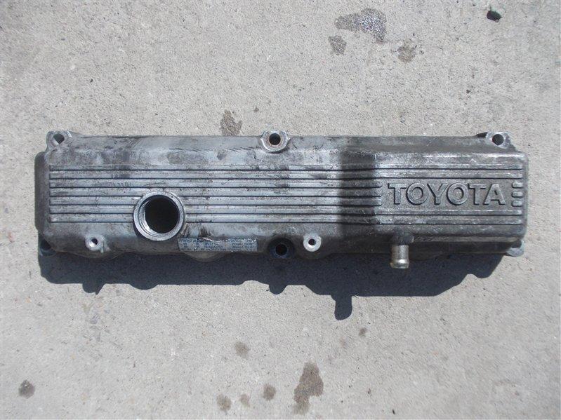 Крышка клапанов Toyota Dyna B