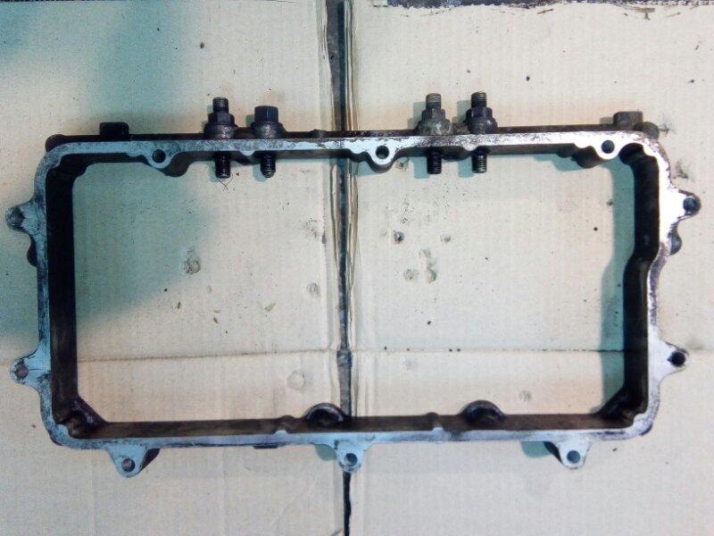 Проставка клапанной крышки Mitsubishi Fuso 6D40-T
