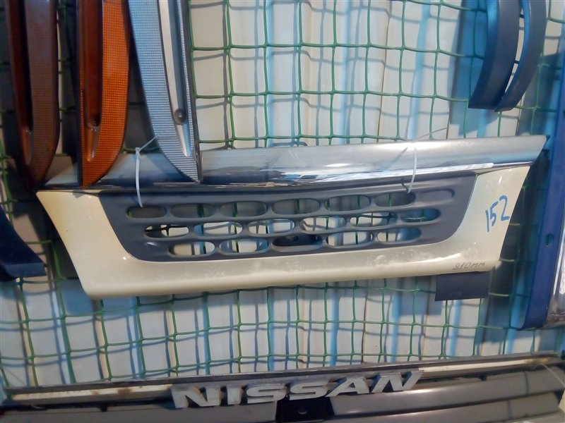 Решетка радиатора Isuzu Elf NKR81 4HF1 2002