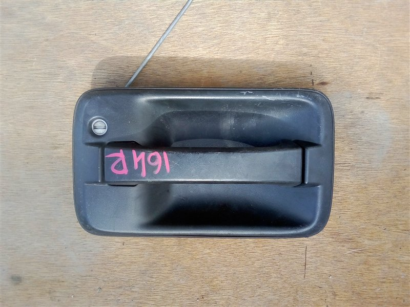 Ручка двери внешняя Isuzu Elf NPR85 4JJ1 2008 передняя правая
