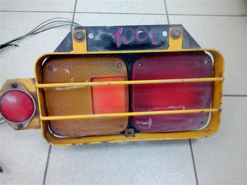 Стоп-сигнал Hino Profia FR602B EF550 1988 задний левый