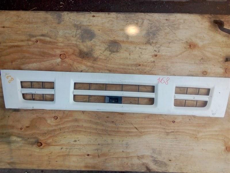 Решетка радиатора Isuzu Elf NPR81 4HF1 2005 передняя