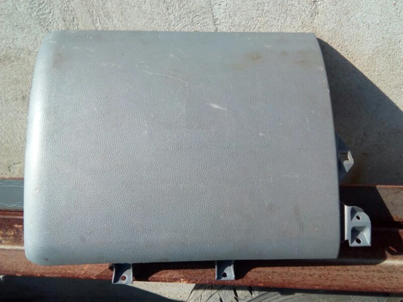 Часть панели приборов Mitsubishi Canter FE83DY 4M50 2009