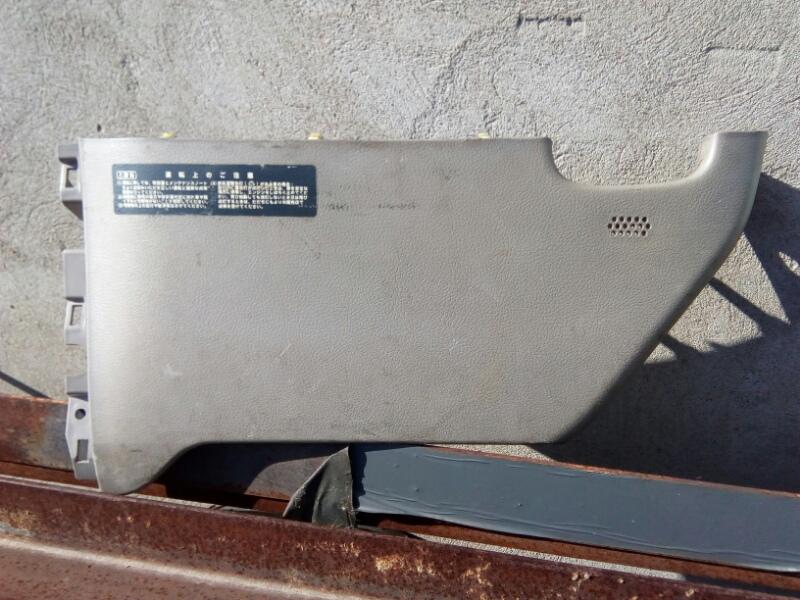 Часть панели приборов Hino Dutro XZU414 N04C 2004
